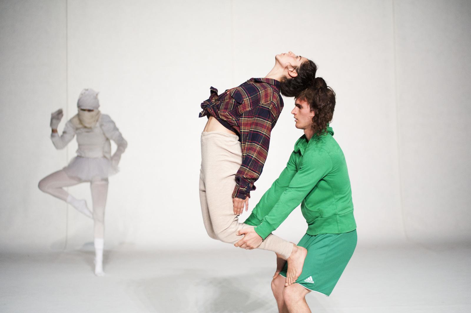 Coreografia di due ballerini uomo e donna