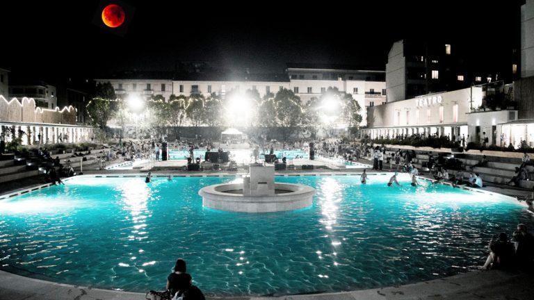 Luna rossa ai bagni misteriosi u lug u teatro franco
